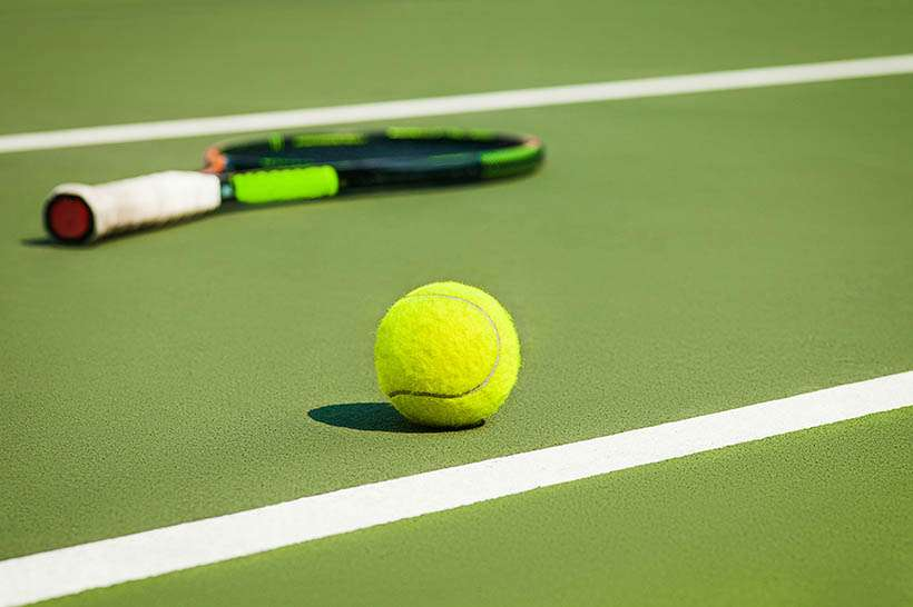 tennis makes knee joint degeneration worse